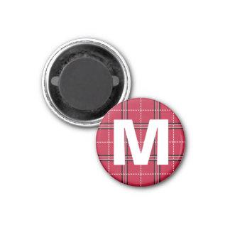 Rotes kariertes Monogramm-Anfangsbuchstabe scherzt Runder Magnet 3,2 Cm