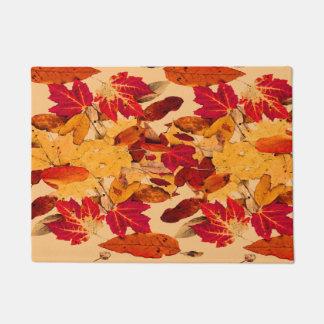 Rotes orange gelbes Brown-Herbst-Blätter Türmatte