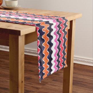 Rotes rosa Test-Muster Kurzer Tischläufer