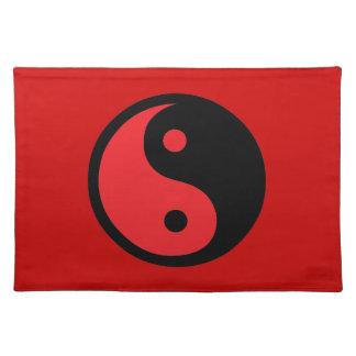 Rotes u. schwarzes Yin Yang Tischsets