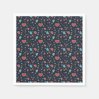 Rotes und blaues Herz-Muster Papierservietten