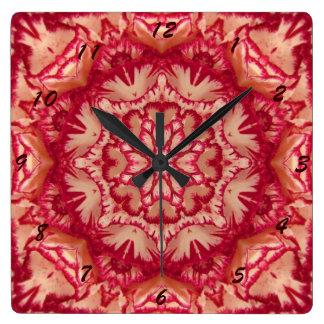 Rotes und Elfenbein-Pfefferminz-viktorianisches Quadratische Wanduhr