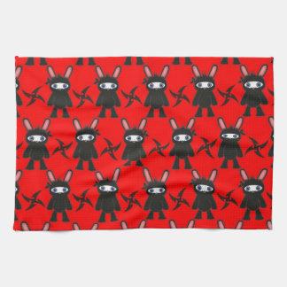 Rotes und schwarzes Ninja Häschen-Muster Handtuch