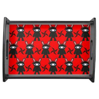 Rotes und schwarzes Ninja Häschen-Muster Serviertablett