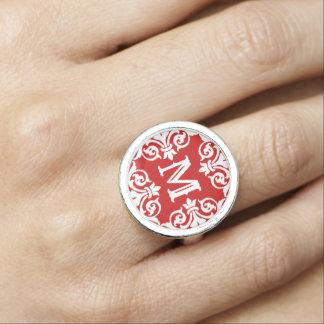Rotes weißes mit Monogramm Ringe