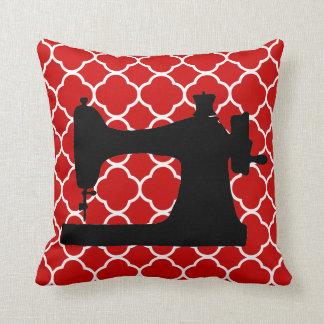 Rotes weißes Nähmaschinekunst Dekorkissen Kissen