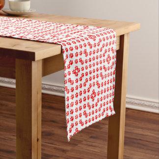 Rotes Welpentatzenmuster Kurzer Tischläufer