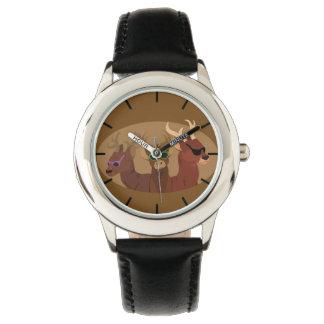 Rotwild-tragende Sonnenbrille Armbanduhr