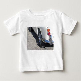 Rückseite eines alten britischen klassischen Autos Baby T-shirt
