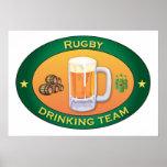 Rugby-trinkendes Team Posterdruck