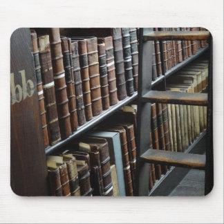 Ruhe in der Bibliothek Mauspads