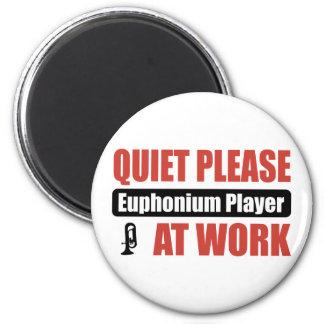 Ruhebitte Euphonium-Spieler bei der Arbeit Kühlschrankmagnet