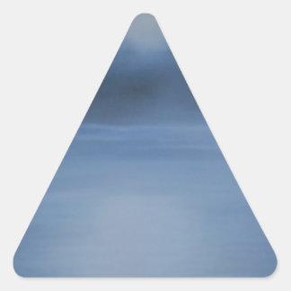 ruhige Ozeannacht allein Dreieckiger Aufkleber