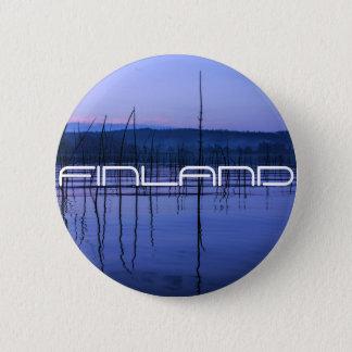 Ruhiger und nebelhafter See nach starkem Regen Runder Button 5,1 Cm