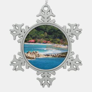 Ruhiges Insel-Paradies Labadee Haiti Schneeflocken Zinn-Ornament