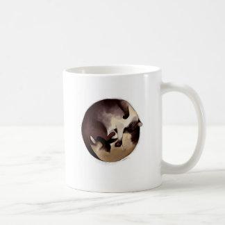 Ruhiges siamesisches kaffeetasse