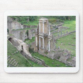 Ruinen eines antiken römischen Amphitheaters Mauspad