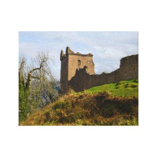 Ruinen von Urquhart Schloss entlang Loch Ness, Leinwanddruck