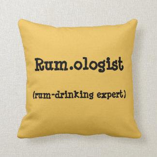 Rum.ologist Wurfs-Kissen Kissen
