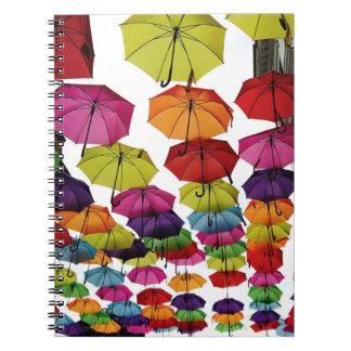Rumänische Regenschirme Spiral Notizblock
