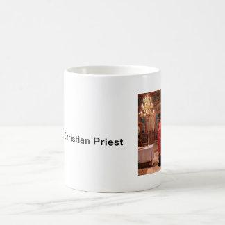 Rumänischer orthodoxer christlicher Priester in Tasse