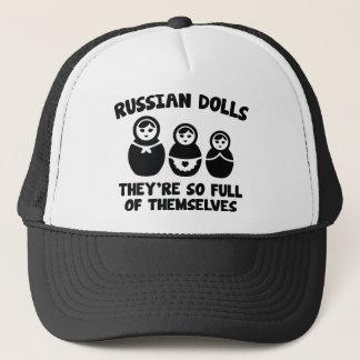 Russische Puppen. Sie sind von selbst so voll Truckerkappe