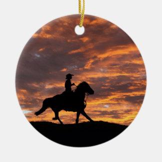 Rustikale Cowboy-und Pferdeweihnachtsverzierung Keramik Ornament