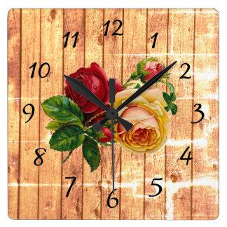 Rustikale hölzerne Rose Quadratische Wanduhr