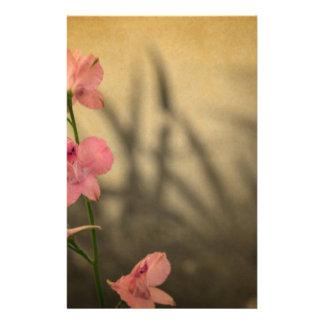 rustikale Landgartenrosa-Blumen-Wildblume Briefpapier