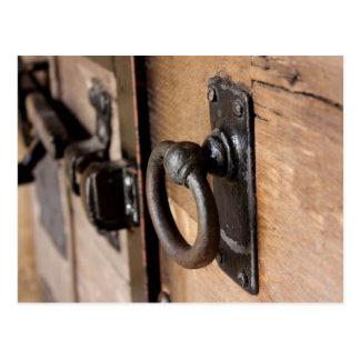 Rustikaler antiker Tür-Zug und Klinke Postkarte