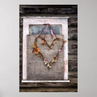 Rustikaler beunruhigter Herz-Kranz auf altem Poster