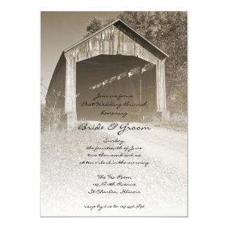 Rustikaler Brücken-Posten-Hochzeits-Brunch laden Karte