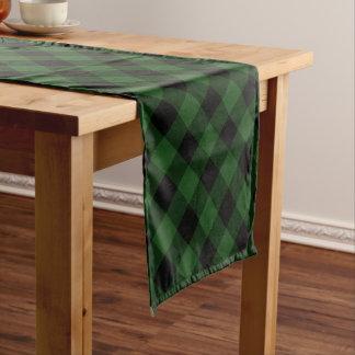 Rustikaler grüner und schwarzer Büffel kariert Kurzer Tischläufer