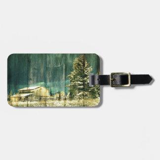 Rustikaler Winter immergrüne alte barnwood Gepäckanhänger