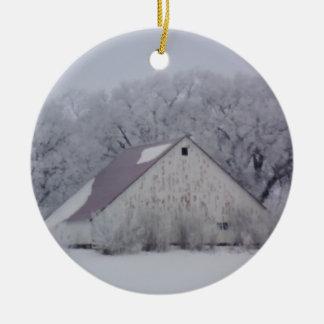 Rustikaler Winter-Schnee Chrismtas Scheunen-| Keramik Ornament
