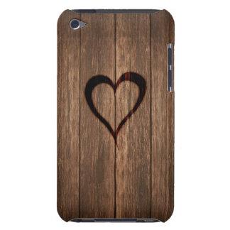Rustikales Holz gebrannter Herz-Druck iPod Touch Case