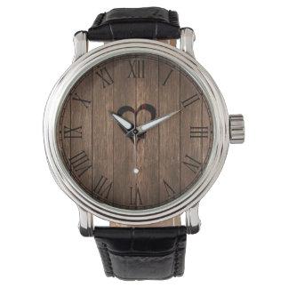 Rustikales Holz gebrannter Herz-Druck Uhr