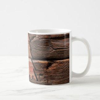 Rustikales Holz gravierte immergrüne Kaffeetasse