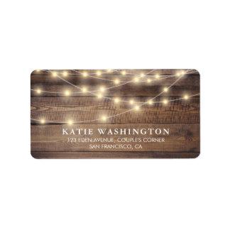 Rustikales Holz u. Vintage Spitze-Hochzeit der Adressetikett