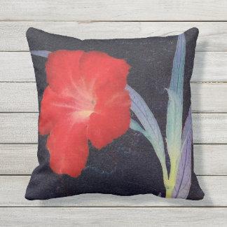 Rustikales rotes Blumen-Profil Kissen