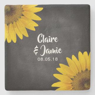 Rustikales Sonnenblume-Tafel-Hochzeits-Monogramm Steinuntersetzer