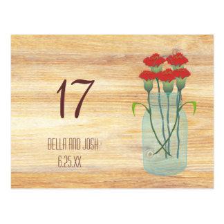 Rustikales Weckglas-rote Gartennelken, die Postkarte