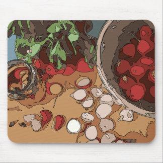 Saftige Rettiche und gegrillte Kartoffel Mauspad