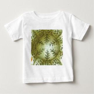 Sahneball mit Farnen Baby T-shirt