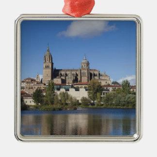 Salamanca-Kathedralen und Stadt 2 Quadratisches Silberfarbenes Ornament