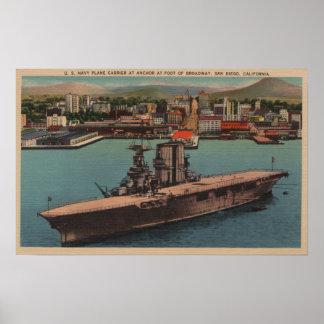 San Diego, CA - Ansicht US-Marine-Flugzeugträger Poster