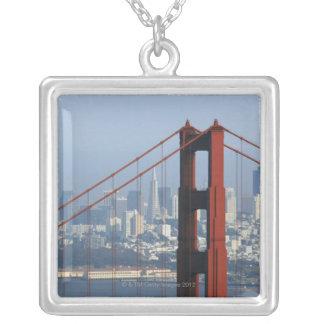 San Francisco gesehene Abflussrinne Golden Versilberte Kette