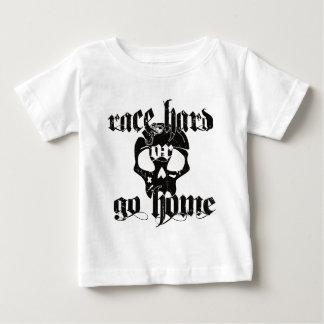 Sandbahn laufendes Nascar Baby T-shirt