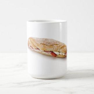 Sandwich mit Schinken und Käse Kaffeetasse