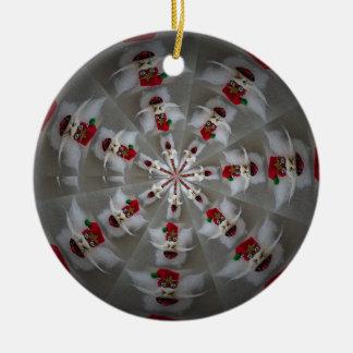 Sankt in einer Drehbeschleunigungsverzierung Rundes Keramik Ornament